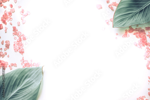 Tuinposter Spa organic spa products on white background