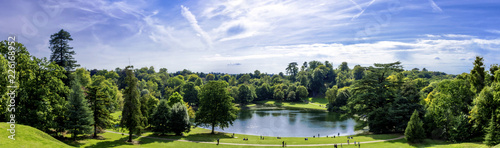 Foto auf AluDibond Himmelblau Panorama of Claremont lake in Esher, Surrey, United Kingdom