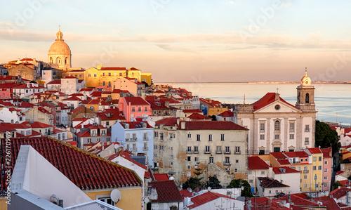 In de dag Centraal Europa Lisbon skyline, Alafama - Portugal