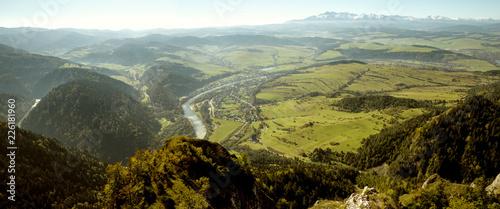 Panorama na Tatry z Trzech Koron w Pieninach, Polska