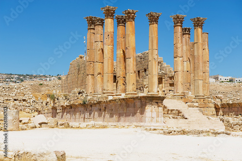 Foto op Canvas Rudnes Ruins and columns of the ancient temple of Zeus the Roman city of Gerasa (modern Jerash) in Jordan..