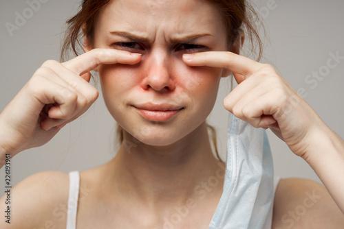 Valokuva  woman has flu quinsy