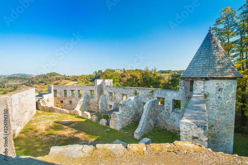 Keuken foto achterwand Vestingwerk Croatia, Novigrad, Karlovac county, ruins of old medieval Frankopan fortress and countryside landscape