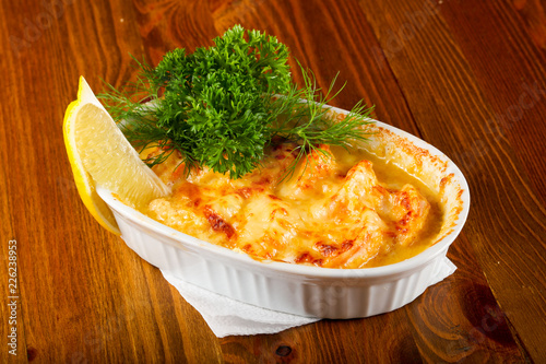 Cocotte with prawn Tablou Canvas