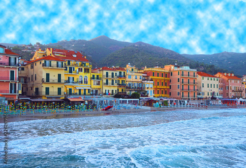Photographie  Beautiful view of the sea and the town of Alassio with colorful buildings, Ligur