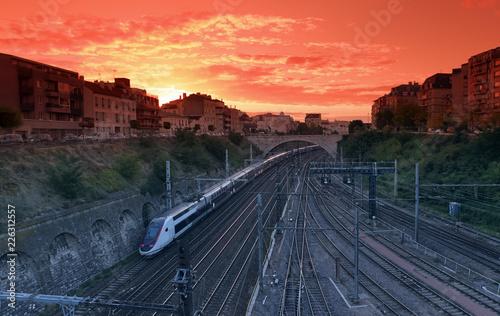 Foto auf AluDibond Koralle Train and railways in Paris suburb