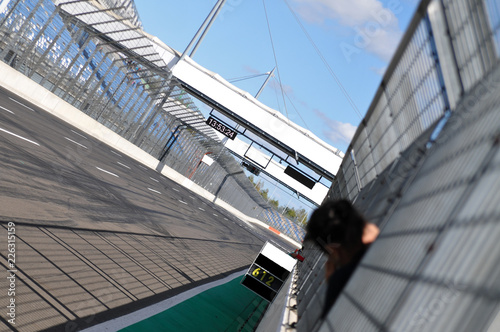 Tuinposter Motorsport motorsport rennstrecke autorennen motorrad fahrsicherheitstraining