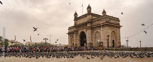 Fototapeta premium Brama Indii w dzień monsunowy