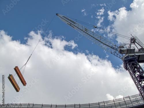 Photo  Cantiere edile con gru per costruzioni di grandi opere