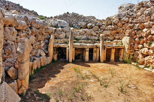 Fototapeta Ġgantija - megalithic temple complex from the Neolithic on  island of Gozo in Ma