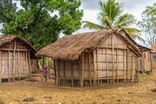 Traditional Village Huts Im Ma...