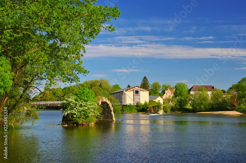 Dole roemische Bruecke und Fluss Doubs  in Frankreich - Dole old roman bridge an Canvas Print