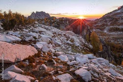 Foto op Aluminium Chocoladebruin Fall colors in the Enchantments, Washington, USA.