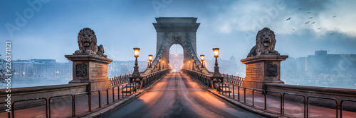 Printed kitchen splashbacks Bridge Kettenbrücke Panorama in Budapest, Ungarn
