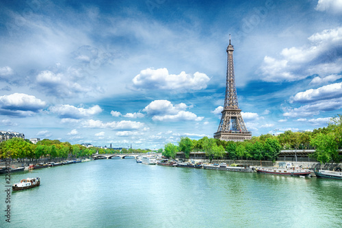 Staande foto Centraal Europa View of Paris with Eiffel tower