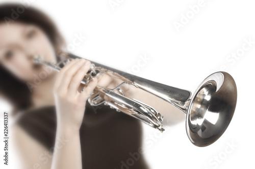 Fotomural Trumpet player. Woman trumpeter playing jazz