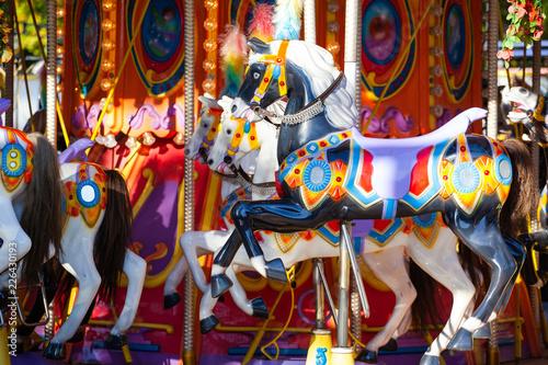 Zdjęcie XXL konie na karuzeli w parku rozrywki