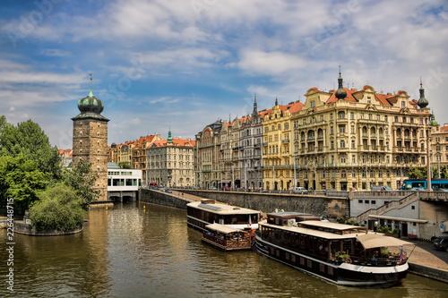 Staande foto Praag Prag, Moldauufer