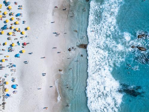 Naklejka premium Cape Town Beach Clifton Campsbay z lotu ptaka