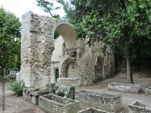 Photographie Arles Alyscamps Roman cemetery, Provence, France