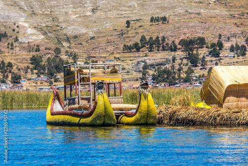 Fotobehang Zuid-Amerika land Uros floating islands of lake Titicaca, Peru, South America