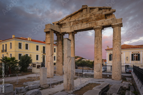 Staande foto Mediterraans Europa Remains of Roman Agora in the old town of Athens, Greece.