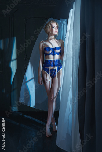 Foto op Plexiglas womenART Erotic portrait of young beautiful woman in sexy lingerie