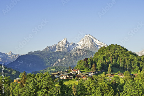 Stickers pour porte Pierre, Sable Mountain landscape in the Bavarian Alps with village of Berchtesgaden and Watzmann in the background Berchtesgadener Land, Bavaria, Germany