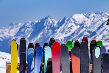 stalak za skije pun skija