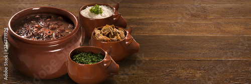 Foto  Brazilian Feijoada Food. Outdoor format.