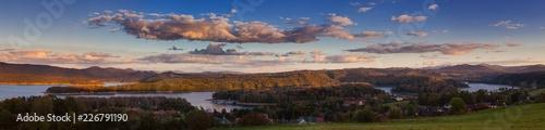 Photo Beautiful panorama of Lake Solina at sunset