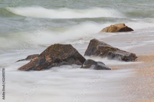 Staande foto Zee / Oceaan sea rock is breaking powerful wave