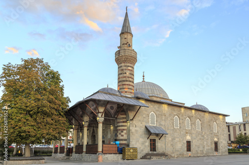 Photo  Historical Yakutiye mosque in Erzurum, Turkey