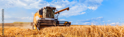 Photo  Combine harvesters Agricultural machinery
