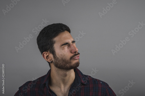 Fotografía  man realizing an oblivion, Handsome man with closed eyes
