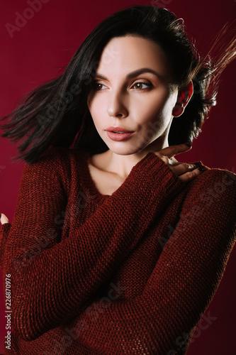 Fotografía  Sexy young brunette. Studio portrait