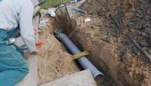 Verlegung Und Installation Eines Abwasserrohres