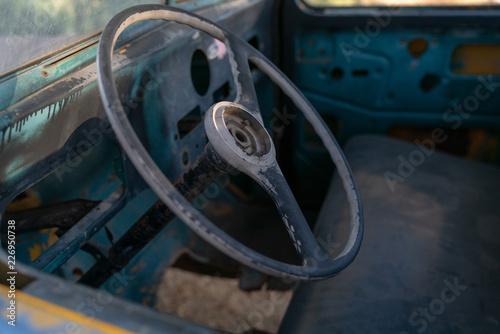 Keuken foto achterwand Vintage cars Wheel of old rusty vintage car