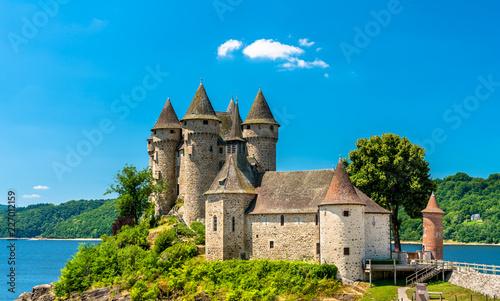 Foto op Plexiglas Historisch geb. The Chateau de Val, a medieval castle on a bank of the Dordogne in France