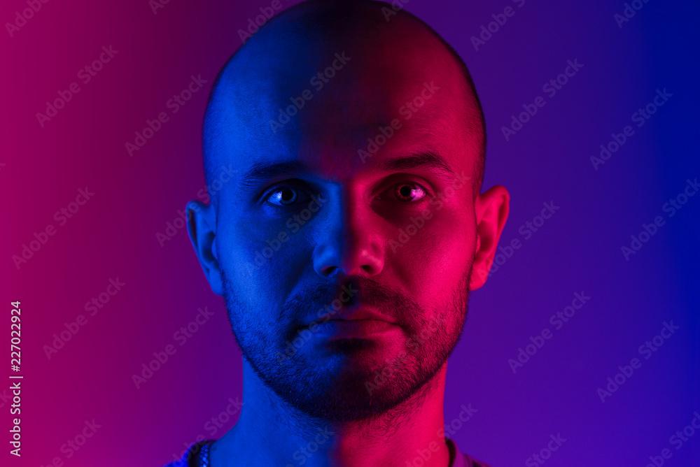 Fototapety, obrazy: Portrait of a man. Dual tone lighting theme