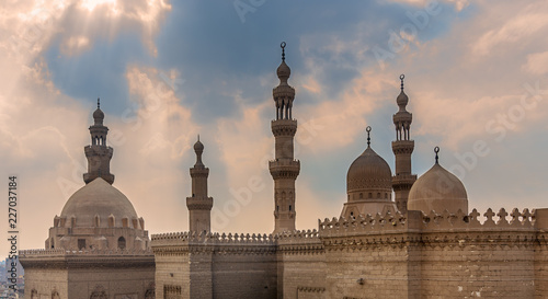 Foto Minarets and domes of Sultan Hasan mosque and Al Rifai Mosque, Cairo, Egypt