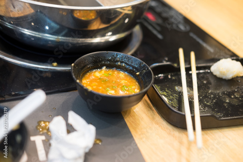 Foto op Aluminium Buffet, Bar Dirty tables in Shabu restaurant