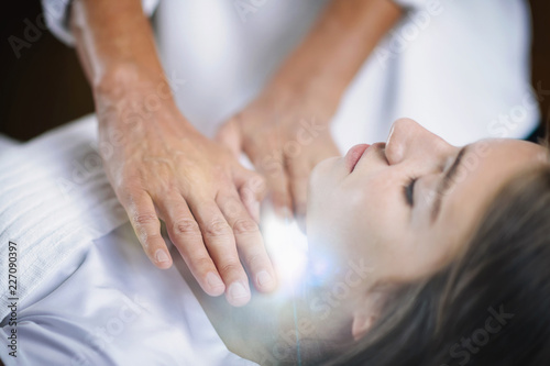Photo  Reiki Throat Chakra Healing Treatment