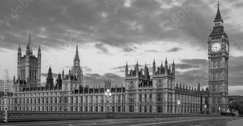 Obraz na płótnie Black and White panoramic view of the Houses of Parliament, Palace of Westminster and Westminster Bridge