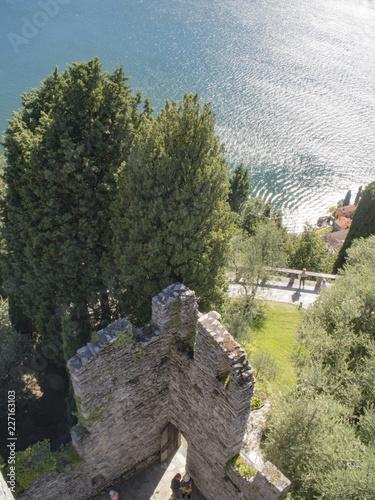Photo  Castle overlooking Como  Lake