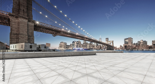 Aluminium Prints empty street with bridge in new york