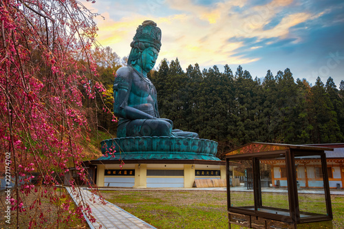 Photo he big Buddha - Showa daibutsu at Seiryuji temple in Aomori, Japan