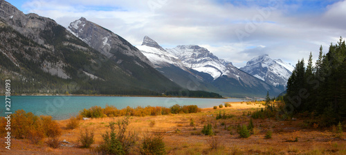 Panoramic view of Spray lakes reservoir in Alberta, Canada Canvas-taulu