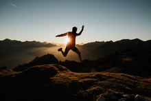 Trailrunning Summit Jump
