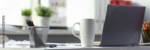 obraz dibond Empty workplace in office closeup or head